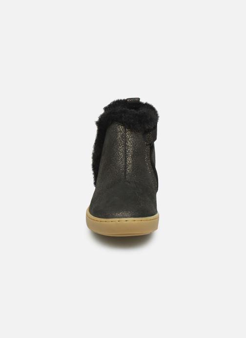 Botines  Shoo Pom Play Yeti Negro vista del modelo