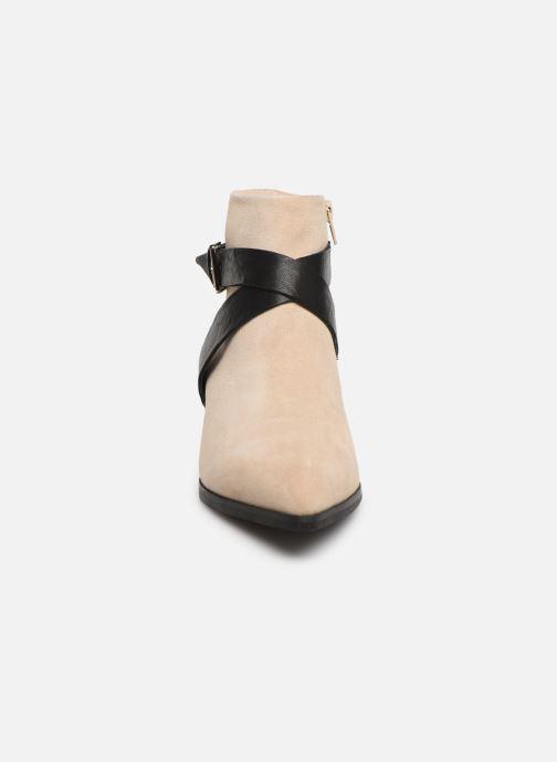 Bottines et boots Shoe the bear LINN BUCKLE S Beige vue portées chaussures