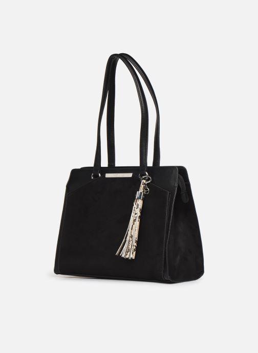 Sacs à main Tamaris MIRELA SHOULDER BAG Noir vue portées chaussures