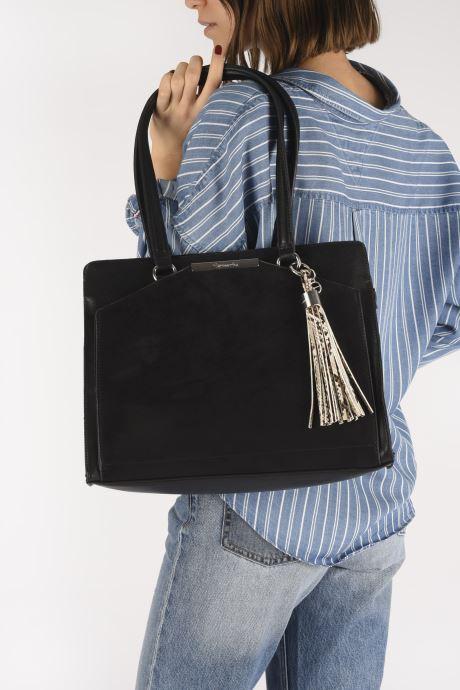 Bolsos de mano Tamaris MIRELA SHOULDER BAG Negro vista de abajo