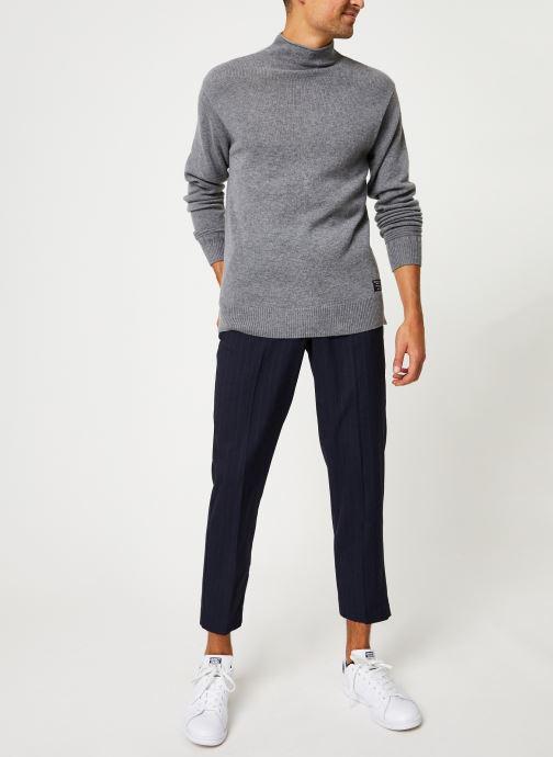 Vêtements Farah F4BF9022 Bleu vue bas / vue portée sac