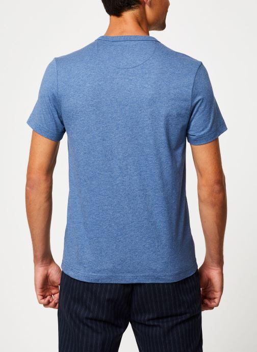 Vêtements Farah F4KF9044 Bleu vue portées chaussures
