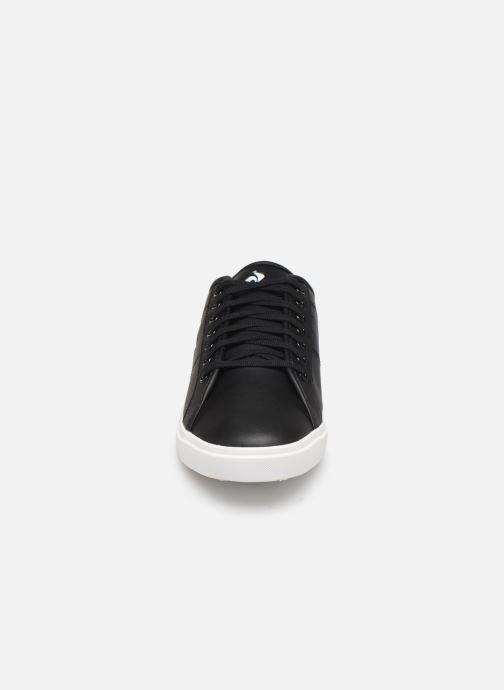 Sneakers Le Coq Sportif Verdon Premium Nero modello indossato