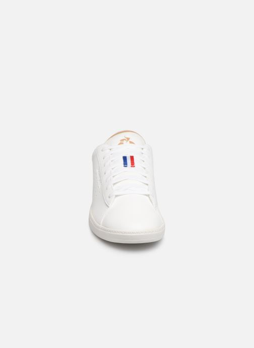 Baskets Le Coq Sportif Courtstar Denim Blanc vue portées chaussures