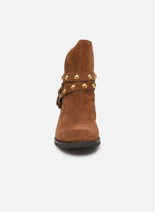 Ankelstøvler See by Chloé Neo Janis Brun se skoene på