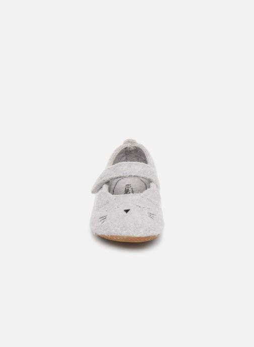 Chaussons Living Kitzbühel 3624 Gris vue portées chaussures