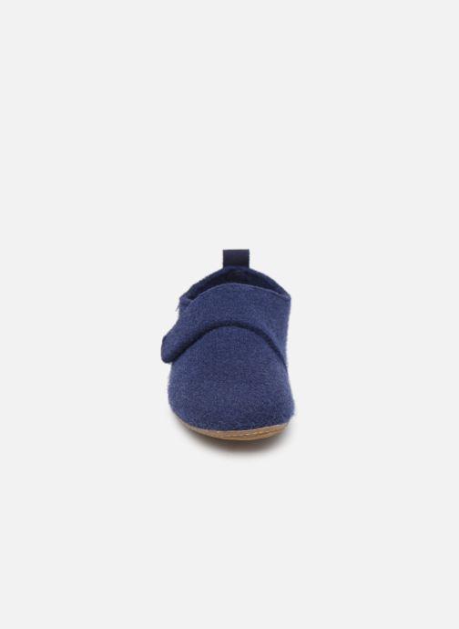Chaussons Living Kitzbühel 3641 Bleu vue portées chaussures
