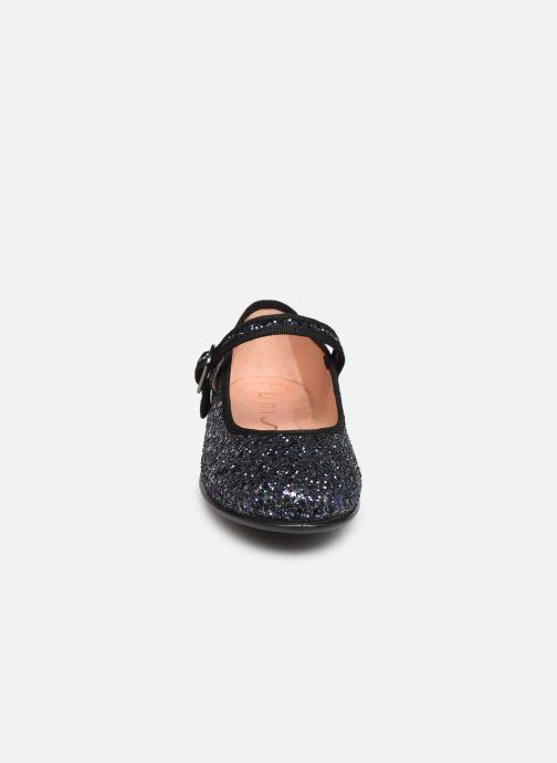 Ballerines Unisa Seyla Gris vue portées chaussures
