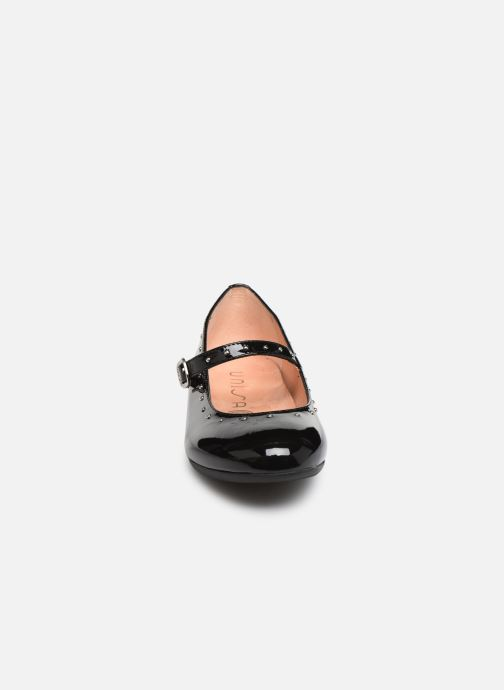 Ballerines Unisa Camba Noir vue portées chaussures