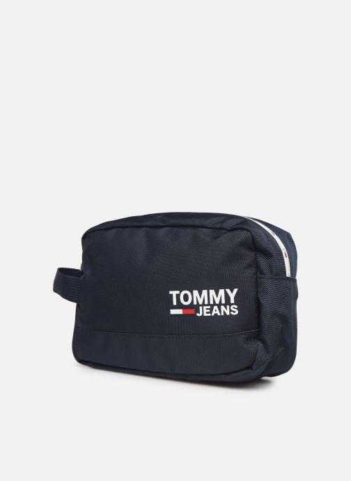 Bagages Tommy Hilfiger TJM COOL CITY WASHBAG Noir vue portées chaussures