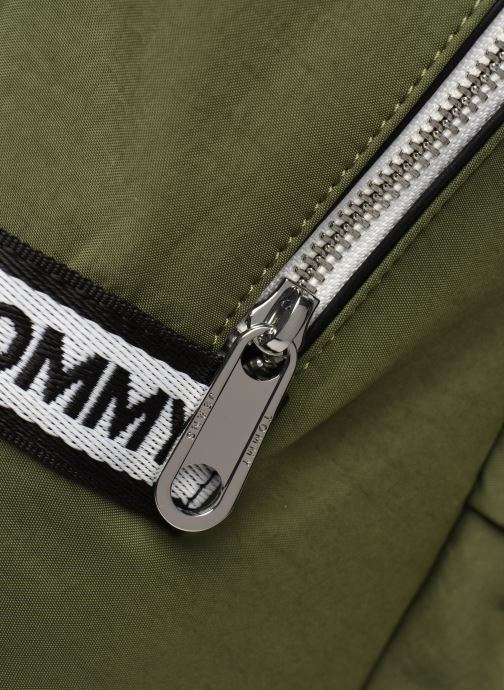 Sacs à dos Tommy Hilfiger TJM LOGO TAPE BACKPACK NYLON Vert vue gauche