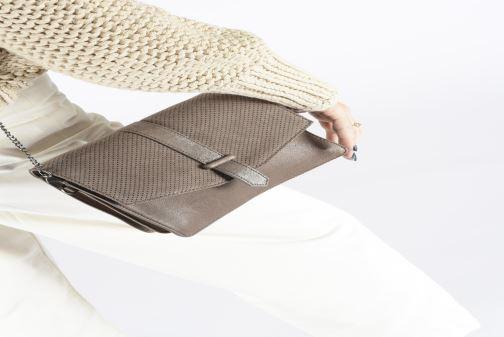 Handbags Sabrina DOROTHEE Brown view from underneath / model view