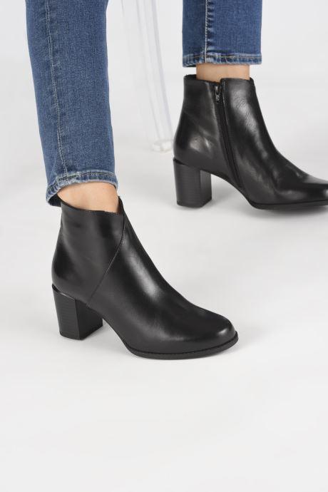 Bottines et boots Georgia Rose Riglos Soft Noir vue bas / vue portée sac