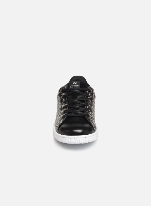 Baskets Victoria Deportivo Metal Serpiente Gris vue portées chaussures
