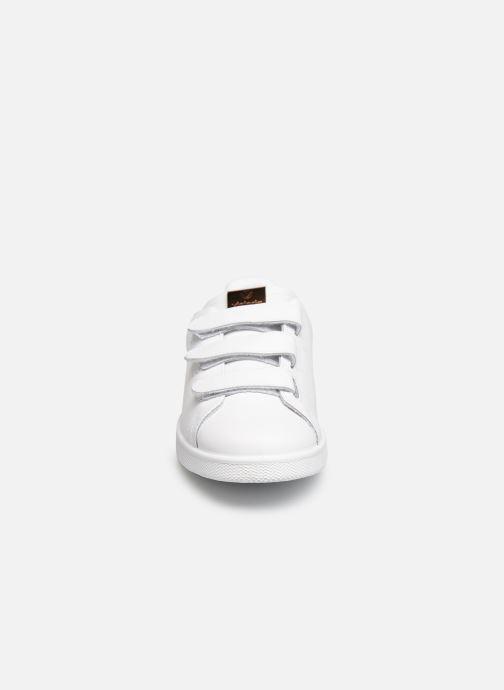 Sneakers Victoria Deportivo Velcros Animal Print Wit model