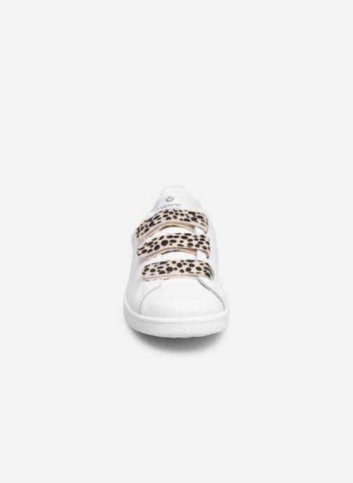 Baskets Victoria Deportivo Velcros Animal Print Blanc vue portées chaussures