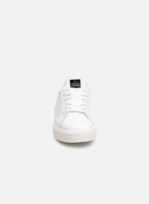 Sneakers Victoria Utopia Piel Bianco modello indossato