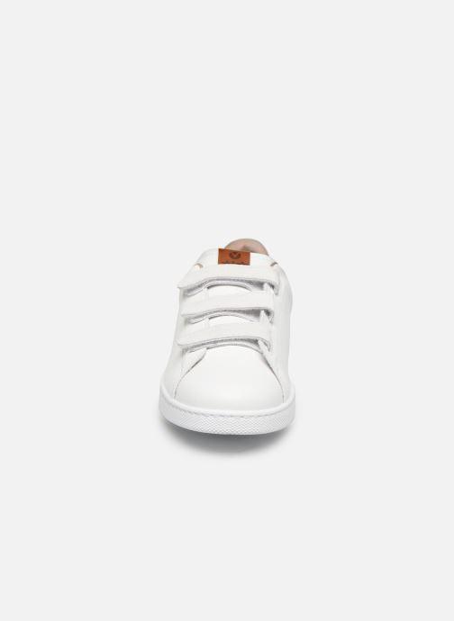 Baskets Victoria Deportivo Velcros Serraje Blanc vue portées chaussures
