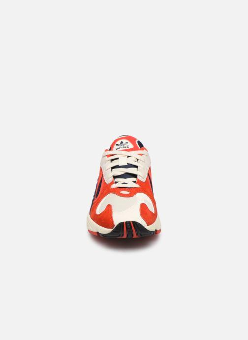 Deportivas adidas originals Yung-1 W Rojo vista del modelo