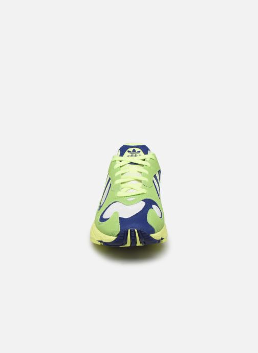 Baskets adidas originals Yung-1 W Vert vue portées chaussures