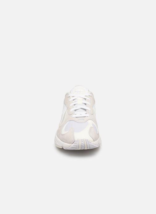 Deportivas adidas originals Yung-1 Blanco vista del modelo