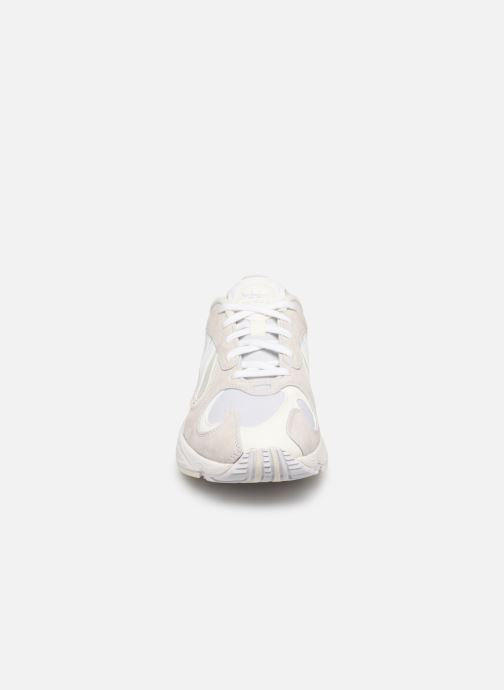 Sneaker adidas originals Yung-1 weiß schuhe getragen