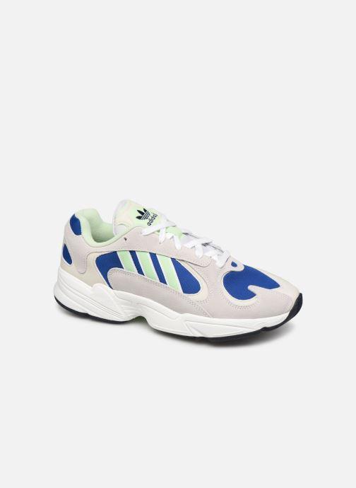 Baskets adidas originals Yung-1 Gris vue détail/paire