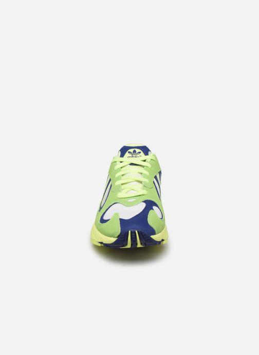 Baskets adidas originals Yung-1 Vert vue portées chaussures