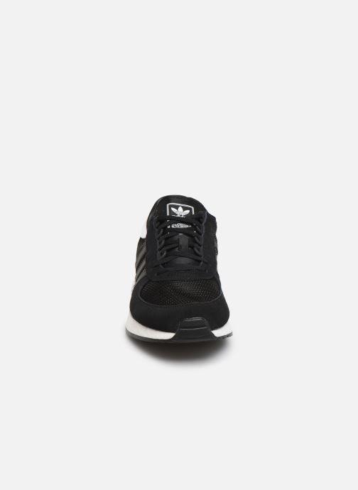 Baskets adidas originals Marathon Tech Noir vue portées chaussures