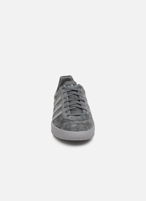 Sneaker adidas originals Broomfield grau schuhe getragen