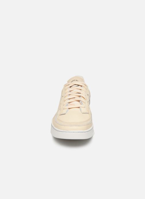 Baskets adidas originals Supercourt Beige vue portées chaussures
