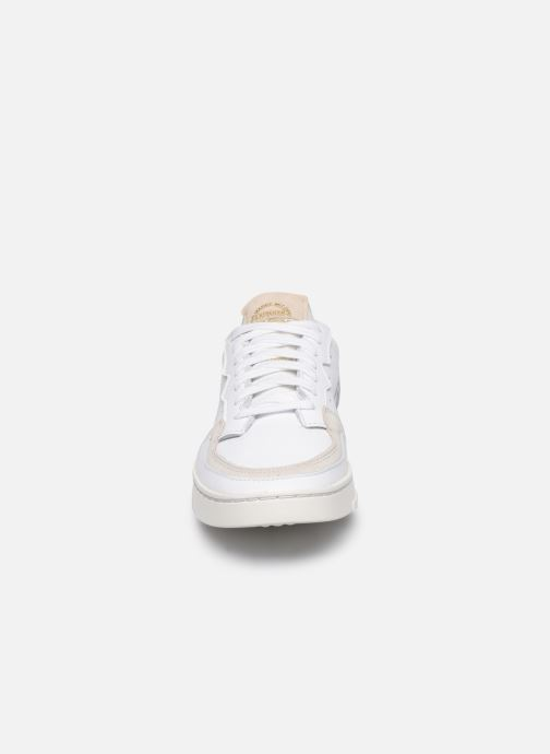 Baskets adidas originals Supercourt W Blanc vue portées chaussures