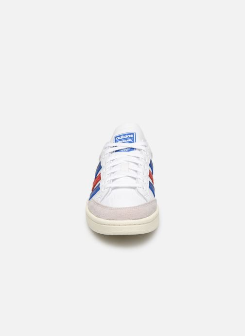 Baskets adidas originals Americana Low W Blanc vue portées chaussures