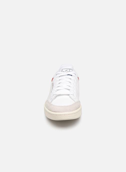 Baskets adidas originals Americana Low Blanc vue portées chaussures