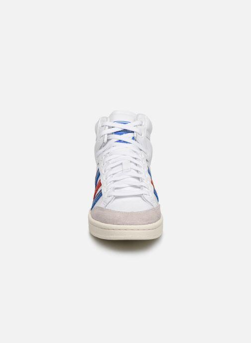 Baskets adidas originals Americana Hi W Blanc vue portées chaussures