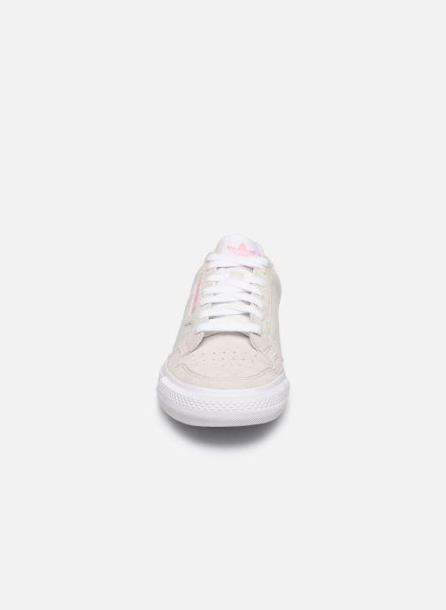 Sneaker adidas originals Continental Vulc W beige schuhe getragen