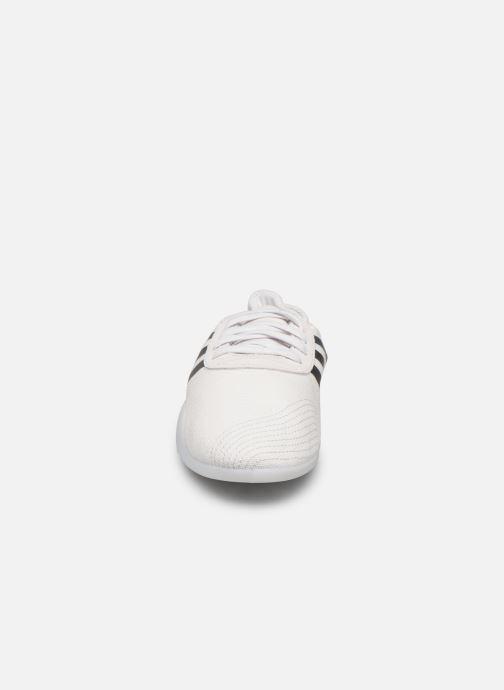 Baskets adidas originals Taekwondo Team W Blanc vue portées chaussures