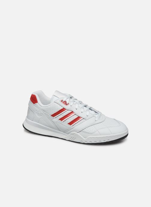 Baskets adidas originals A.R. Trainer M Blanc vue détail/paire
