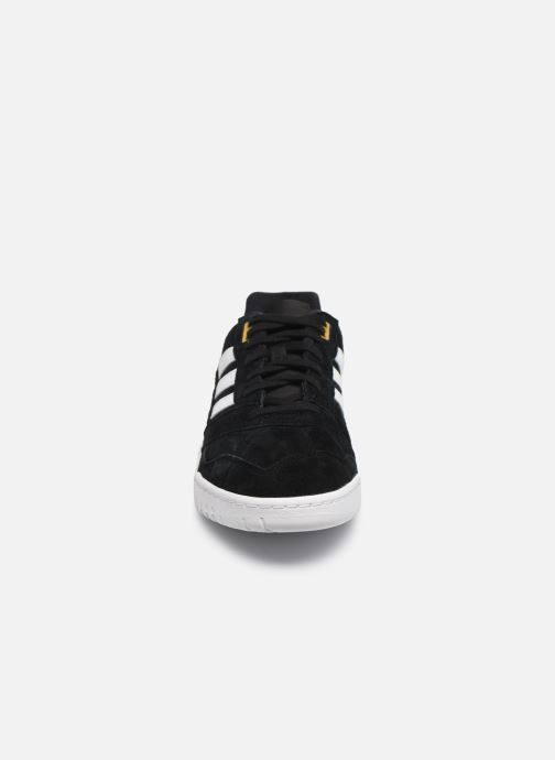 Baskets adidas originals A.R. Trainer M Noir vue portées chaussures