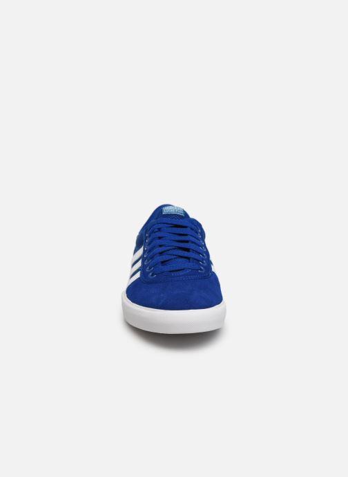 Baskets adidas originals Lucas Premiere Bleu vue portées chaussures
