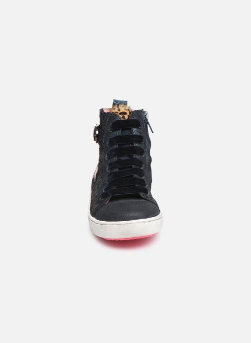 Sneakers Shoesme Myriam Azzurro modello indossato