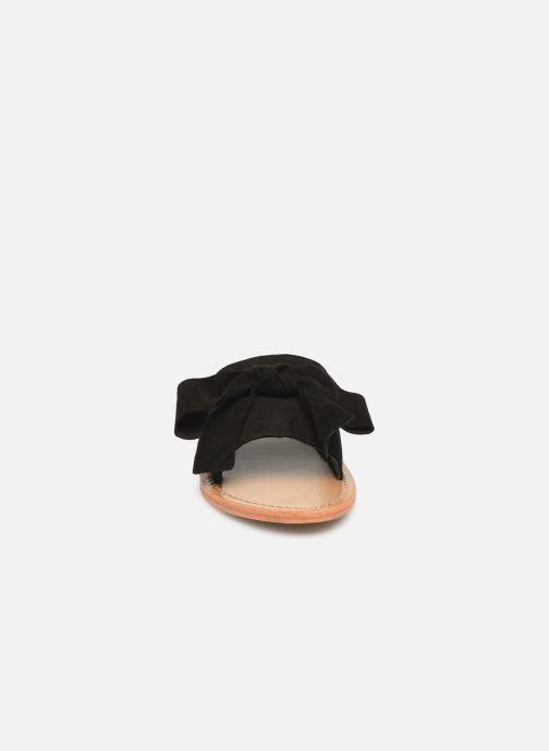 Zuecos White Sun Serpa Negro vista del modelo