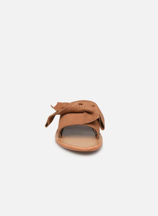 Mules et sabots White Sun Serpa Marron vue portées chaussures