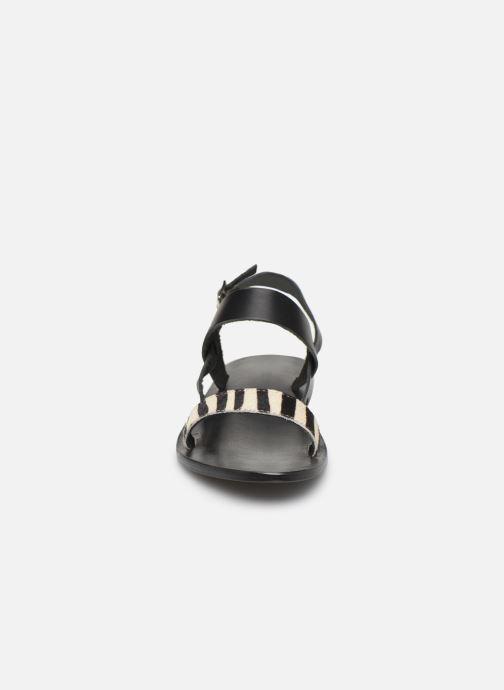 Sandali e scarpe aperte White Sun Bursa Nero modello indossato