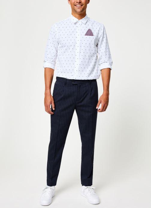 Vêtements Scotch & Soda BLAKE - Classic yarn-dyed chino Bleu vue bas / vue portée sac