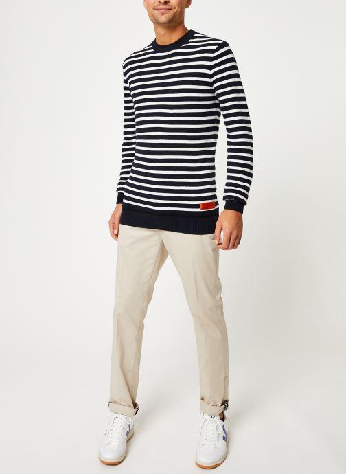 Vêtements Scotch & Soda Classic crewneck pull in structured knit Blanc vue bas / vue portée sac