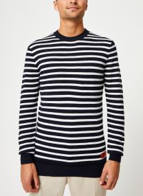 Classic crewneck pull in structured knit