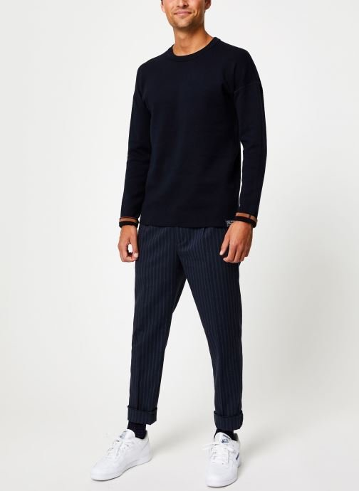 Vêtements Scotch & Soda Reversible crewneck pull with dropped shoulder styling Bleu vue bas / vue portée sac