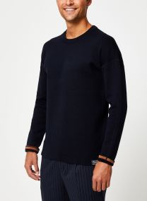 Reversible crewneck pull with dropped shoulder styling
