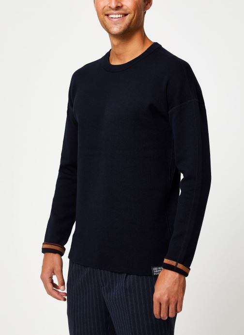Vêtements Scotch & Soda Reversible crewneck pull with dropped shoulder styling Bleu vue détail/paire